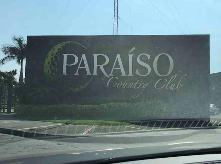 202.- Increíble depa en Paraíso Country Club.