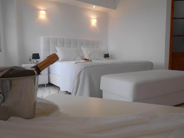 Exclusive Kinira Triple Room KINIRA Beach Hotel