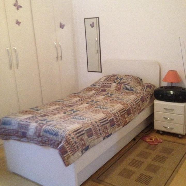 Suite no Bairro Campo Belo, ótima localização.!!!!