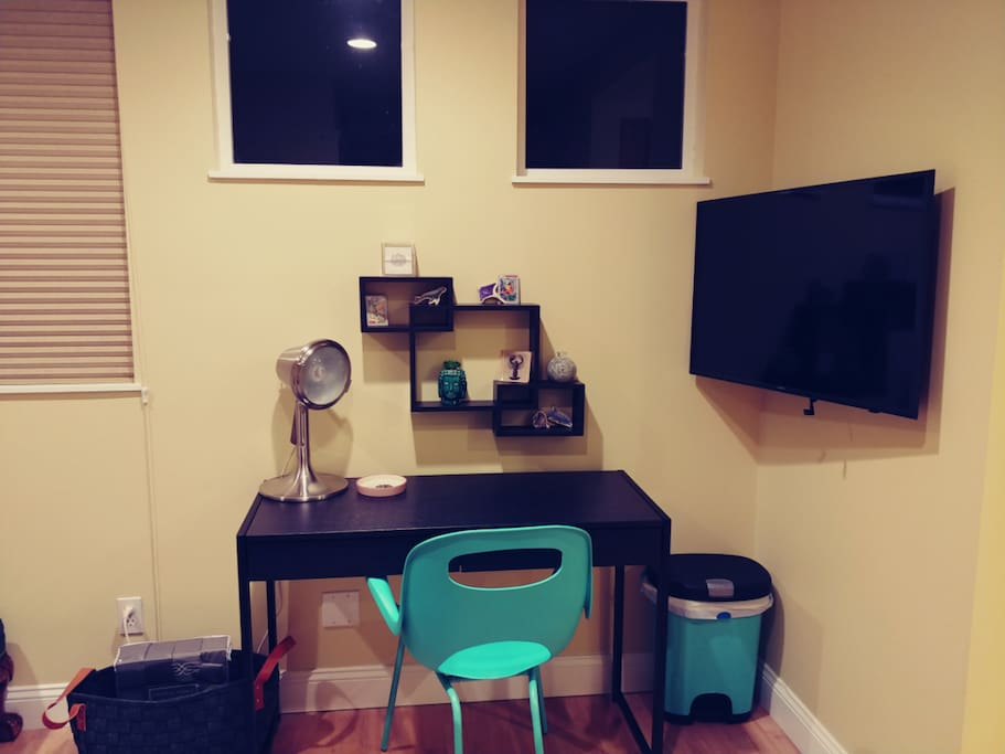 "Perfect office space with 40"" smart HDTV with cable TV."