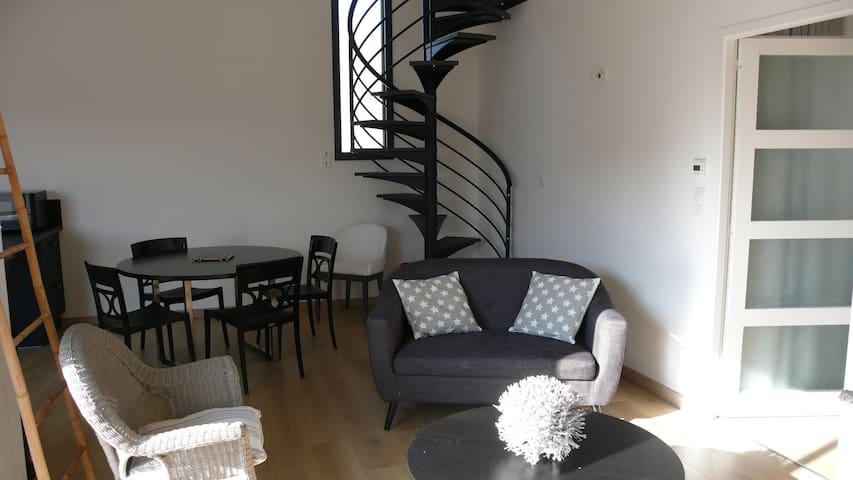 Loft spacieux avec terrasse