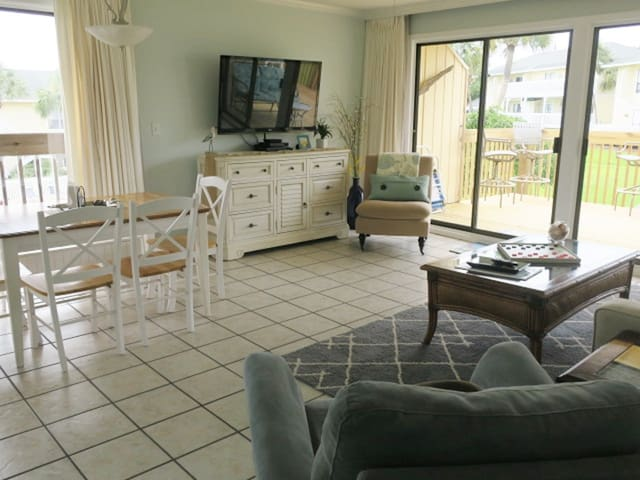 Private Beach, Overlooks Heated Pool & Golf Course
