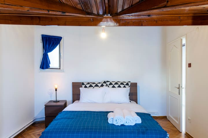 Bedroom #6 with queen size bed.