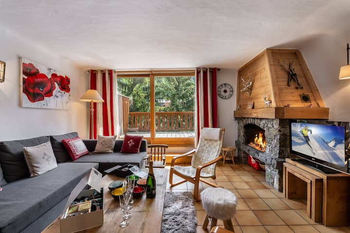 Family chalet situated in the heart of Courchevel Le Praz