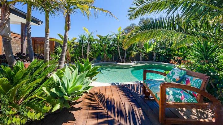 Como Palm Retreat - Tropical Oasis!