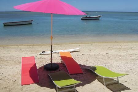 Chambres de charme  sur la plage - Tombeau Bay - ที่พักพร้อมอาหารเช้า
