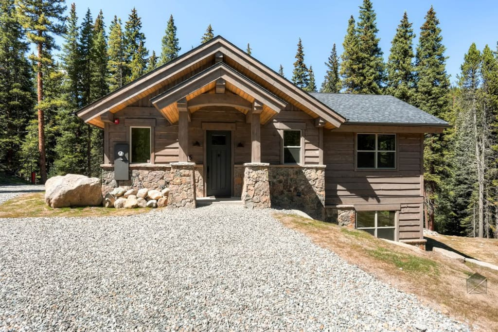 The front entry is just as beautiful as the interior of this brand new mountain home.