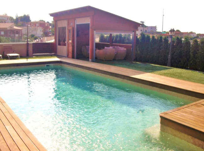 CD354 - A dream holiday in this fabulous villa