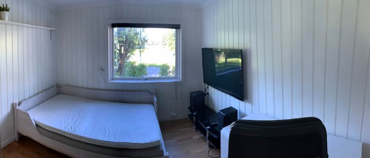 Room near subway, 20 min to Oslo