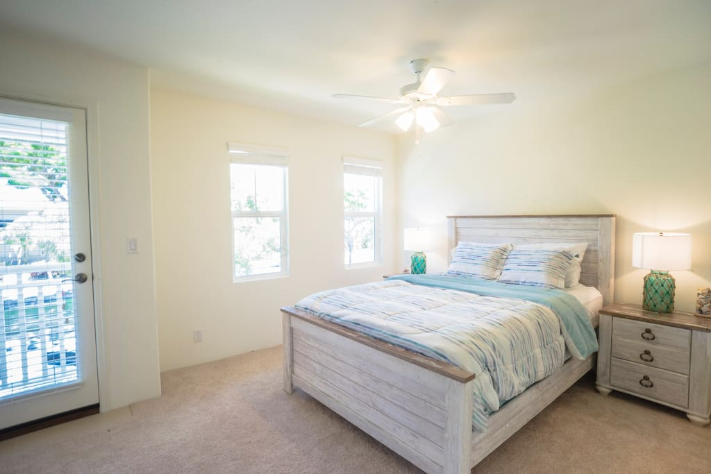 Comfortable queen sized bed! A guest favorite!
