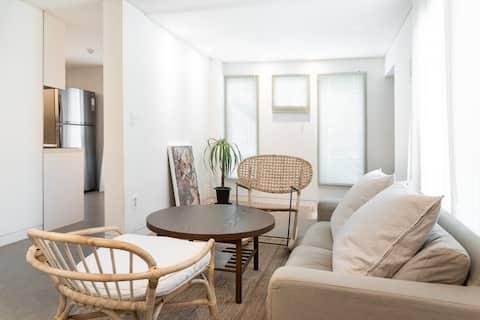 Stylish & Cozy 2BR apartment : 3mins to Station
