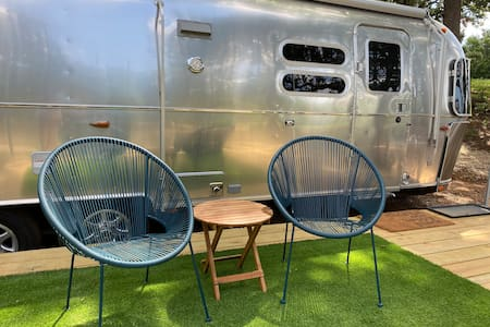 Close to Home - A World Away. Airstream, Queen