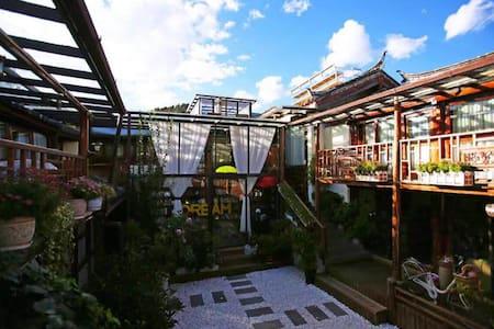 麗江束河.西行驛棧.101觀園景舒適大床房