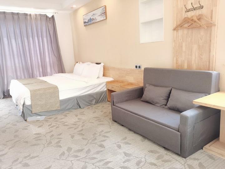201精品大床可变亲子房成都素墅SUSHU川西川藏旅行民宿酒店 独栋市内别墅2.4大床和1.5沙发床