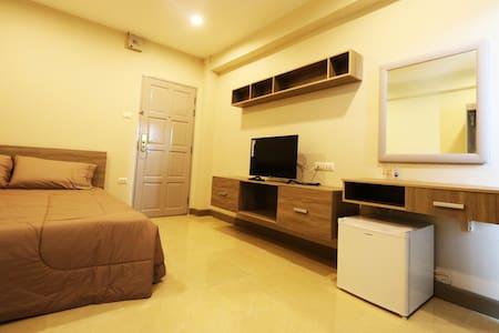T3 RESIDENCE Soi Nakniwat 20  Standard Room 1 - Banguecoque