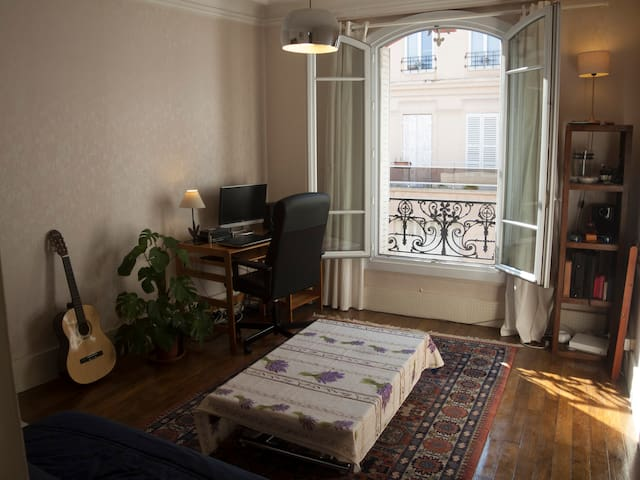 Cosy, sunny 3 rooms appartement near Paris - Montreuil - Apartment