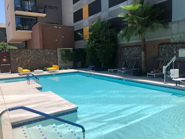 Condo in Luxurious Roosevelt Area Downtown Phoenix