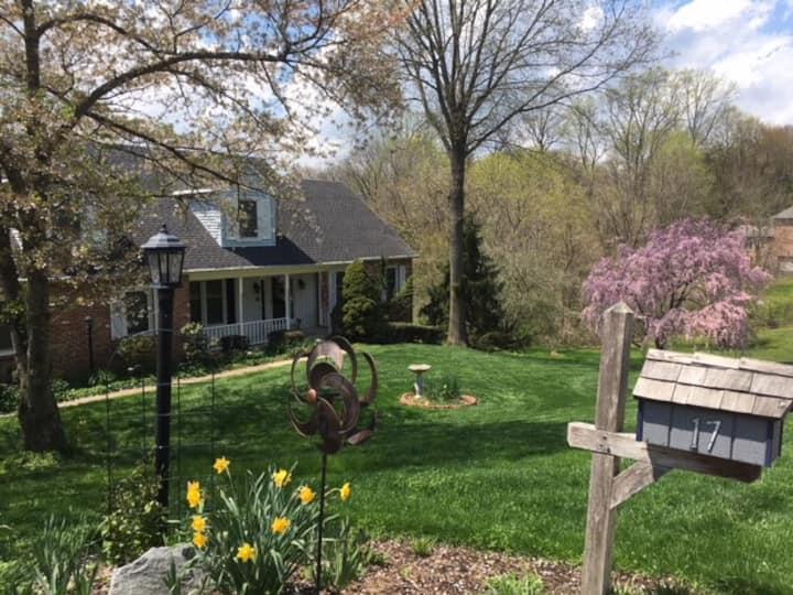 Hockessin Home  Quiet, Natural Setting