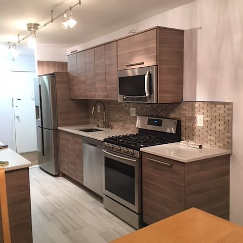 Spacious Fort Lee 1 Bed 2 Bath walk to GWB Main St