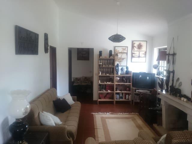 Room near Fátima - Entroncamento - Huis