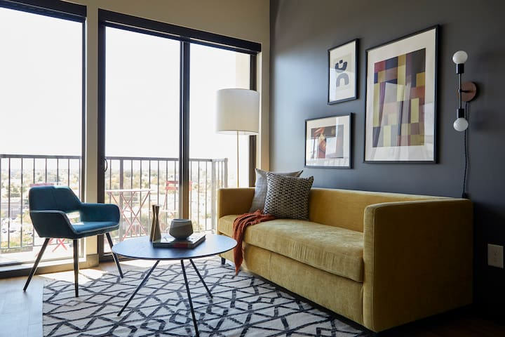 Sonder | Mill Ave | Airy 1BR + Sofa Bed
