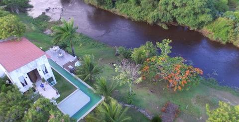 Fazenda na beira do rio na Bahia