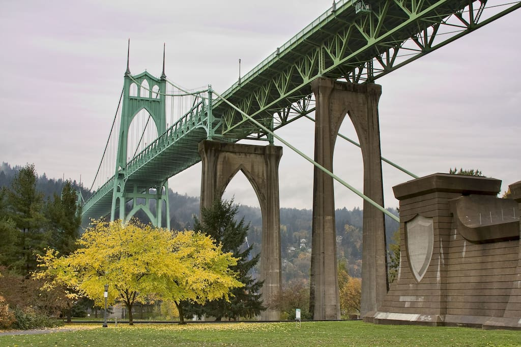 The beautiful St. John's bridge from Cathedral Park.