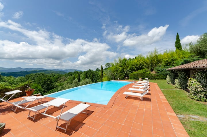 Exclusive Villa with POOL in tuscany near 5 terre