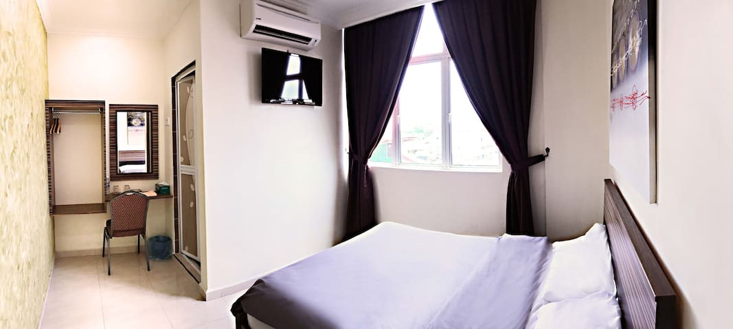 Deluxe Room @ Kwong Meng Hostel . INN