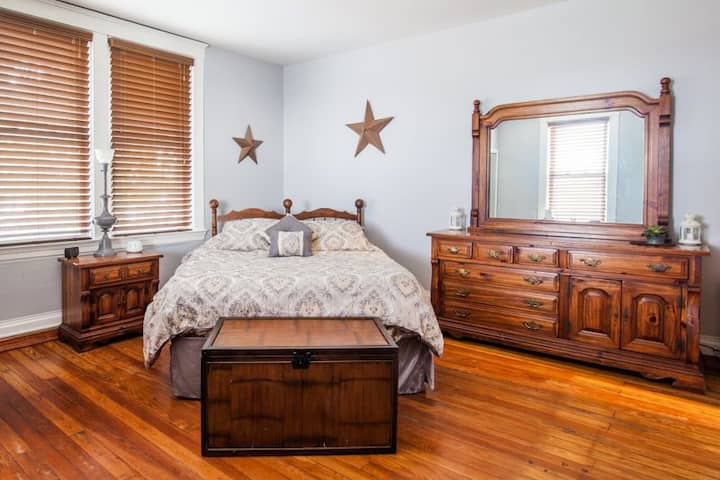 Charming Room in Eclectic Northside!