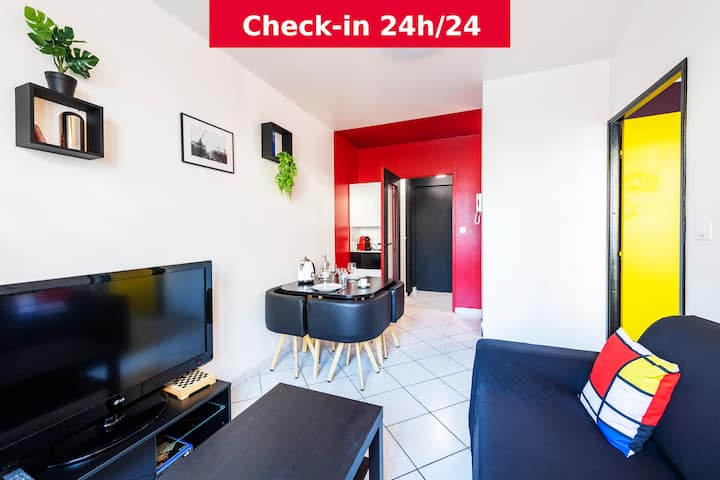The Mondrian : Studio in Villeurbanne city center
