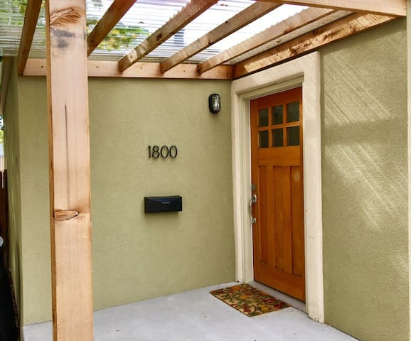 Cozy 2 Bedroom House Near Downtown - Denver