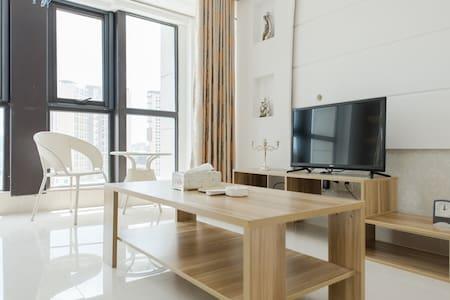 东门町民国街loft三室两卫一厨公寓特价 - Suzhou - Leilighet