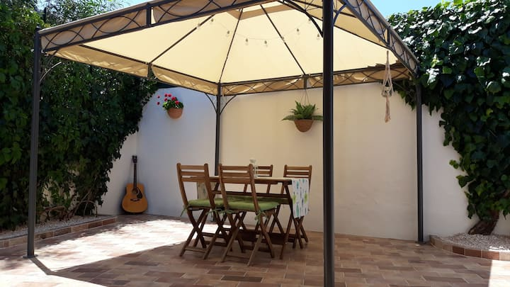 House with garden in San Pantaleo, Emerald Coast.