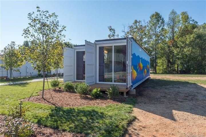 NEW! 2 BR Container Home in the heart of Old Fort!