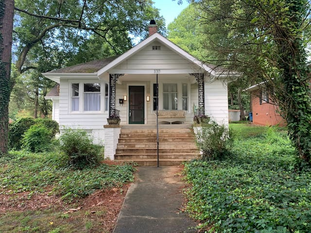 Downtown Bungalow