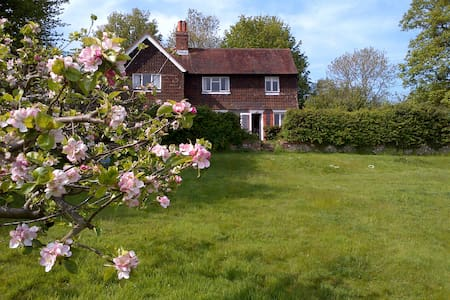 Idyllic rural South Downs cottage near Ditchling - East Sussex - Hus