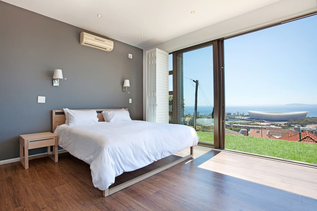 Perfect bedroom with 180 degree views across the Atlantic Ocean, Green Point and the Waterfront