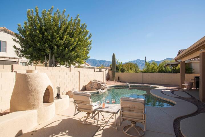 Mountain view & swimming pool