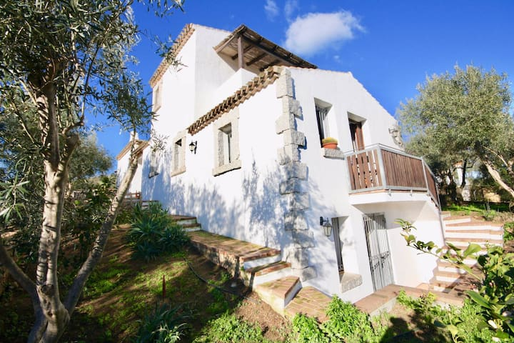 Amazing Villa 10 minutes from the beaches