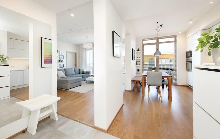 Modern and bright Kalamaja home, balcony+seaview