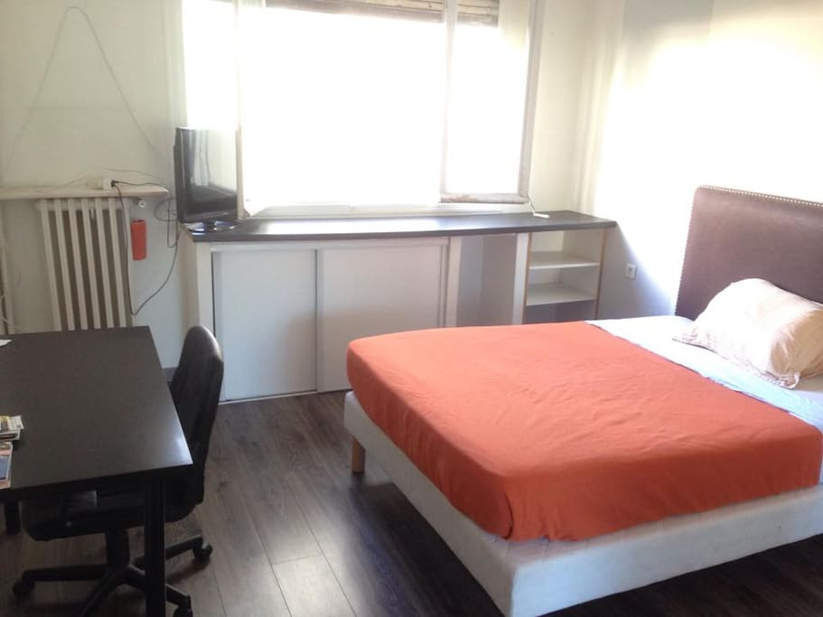Chambre centre 10 min gare nice ville parking for Chambre a louer nice