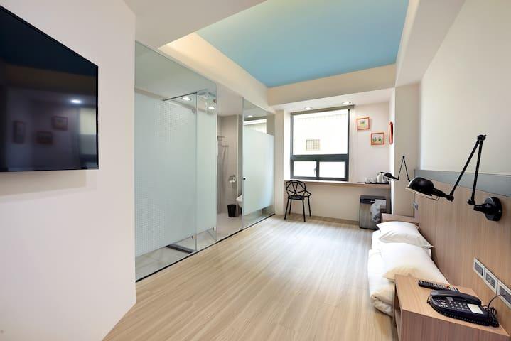Eng Service★選我荷米旅居《Hommie inn》近火車站-日式雙人房 ★