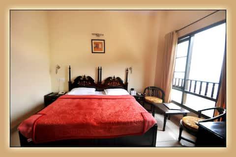 Hotel Aachman Regency, Shimla - Luxury Room