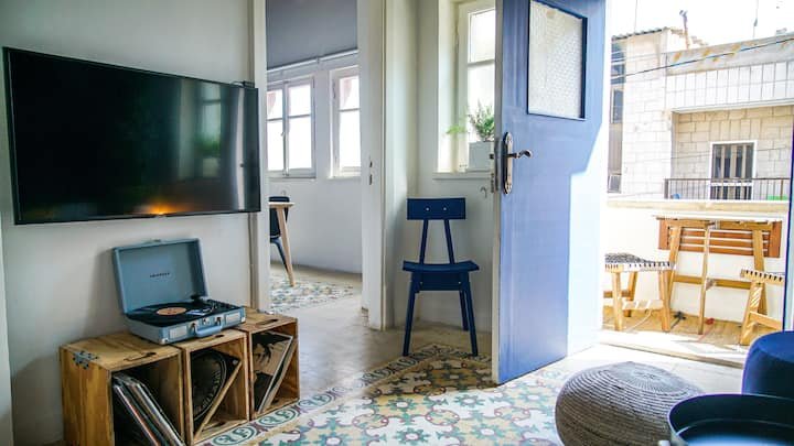 Authentic Renovated & Artsy Home in Historic Area