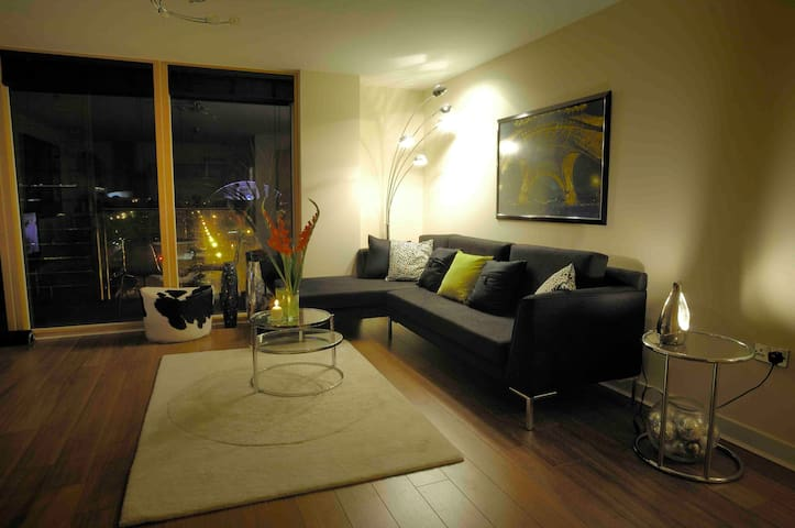 One Bed City Centre Hotel style Served Apartment - Milton Keynes - Apartemen