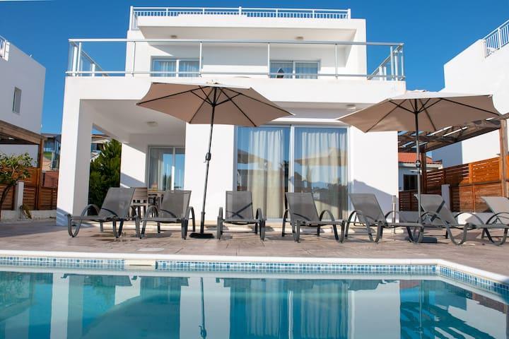 Coral Bay Villa 7