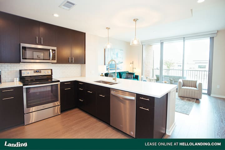 Landing | 1BR Apartment in Green Hills