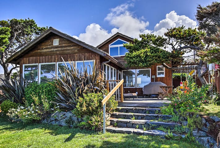 Oceanfront Arch Cape House w/Pacific Views!