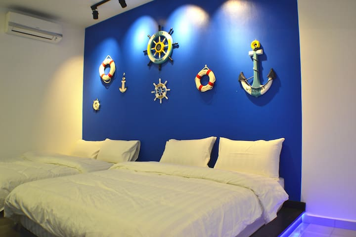 5th Bedroom (Santorini theme) - 2 Queen beds Tatami (4 pax)